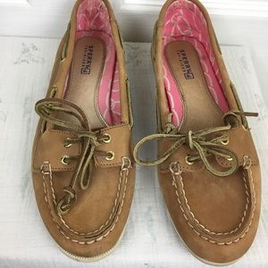 Tan lace-up Sperry Angelfish boat shoe